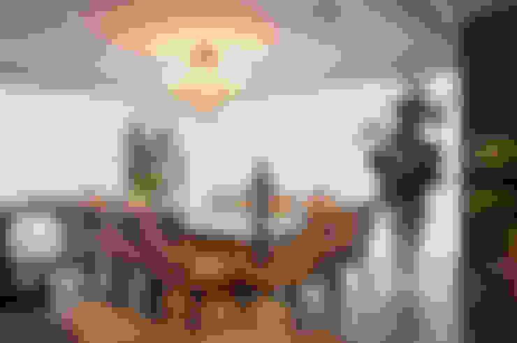 Salle à manger de style  par Link Interiores
