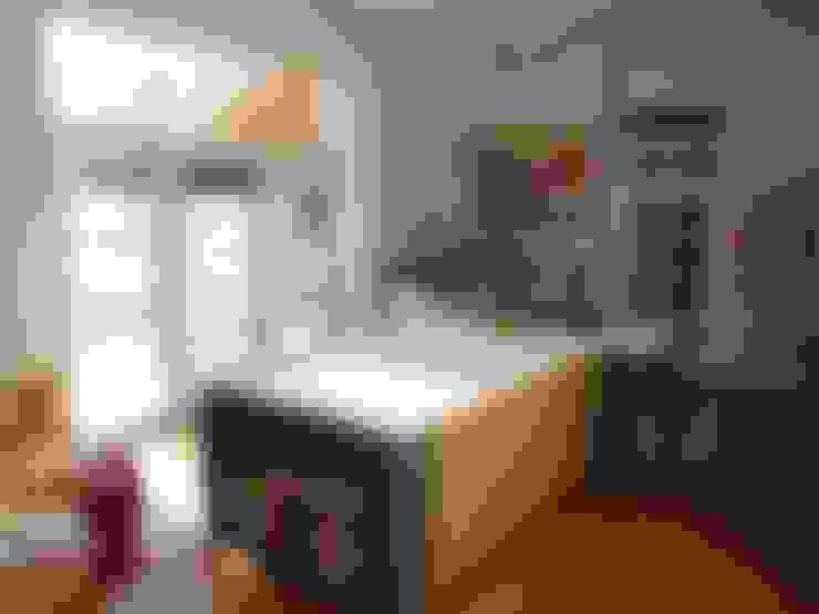 Kitchen by Crayon Architecture & Design