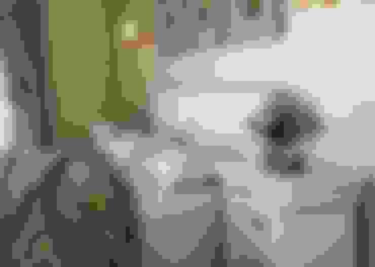 Дом в неоклассическом стиле: Спальни в . Автор – Студия дизайна 'New Art'
