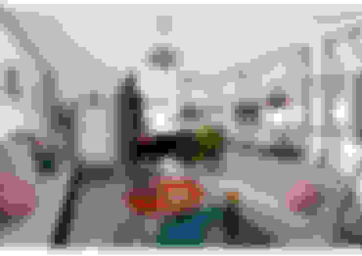 Salas / recibidores de estilo  por Sonia HADDON Interior Designer