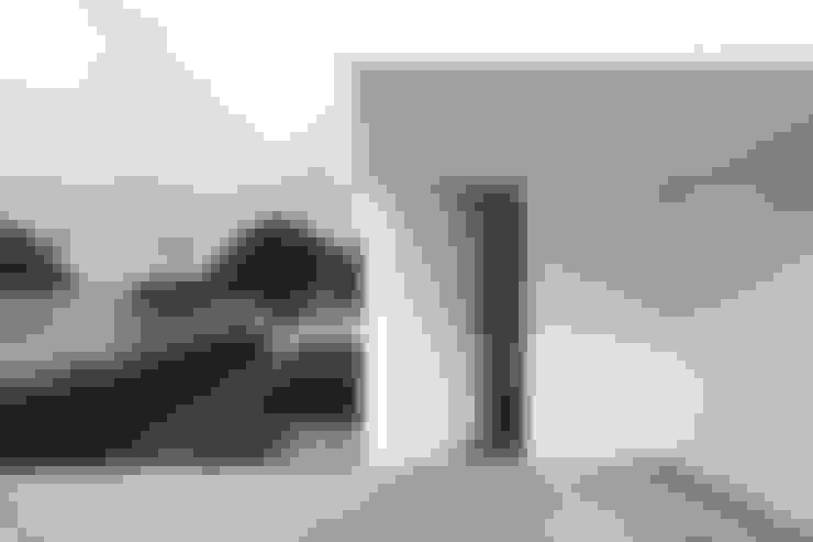 Casa José Prata: Janelas   por Barbosa & Guimarães, Lda.