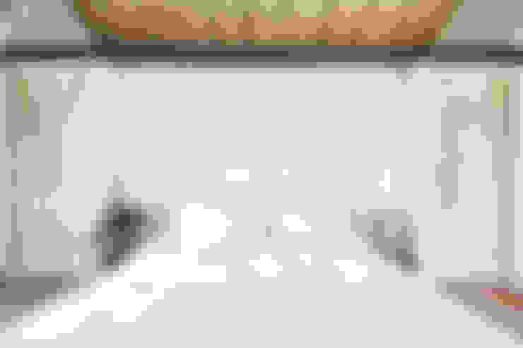 Bedroom by STUDIO PAOLA FAVRETTO SAGL - INTERIOR DESIGNER