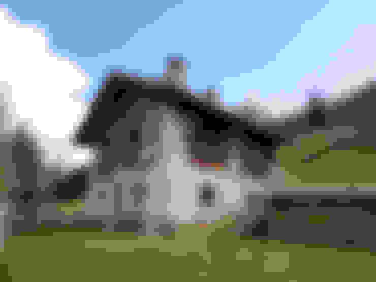 Casas de estilo  por zanella architettura