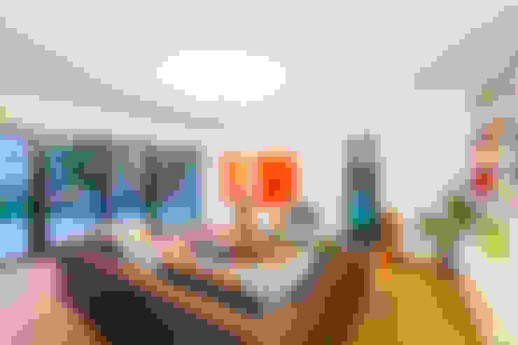 Ruang Keluarga by Helwig Haus und Raum Planungs GmbH