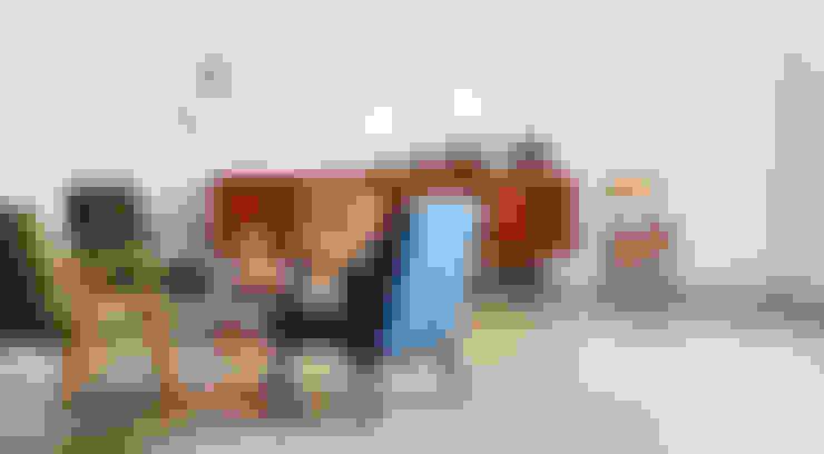 Sala de estar  por POLITURA Polsterei & Design