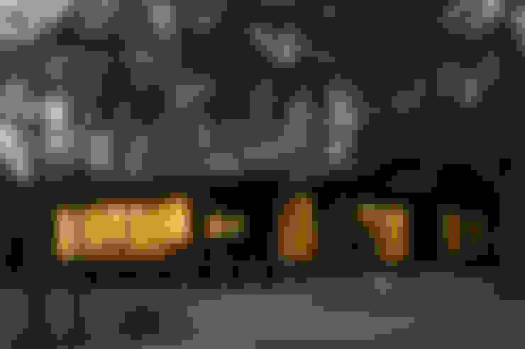 Casas de estilo  por 一級建築士事務所 アトリエ カムイ