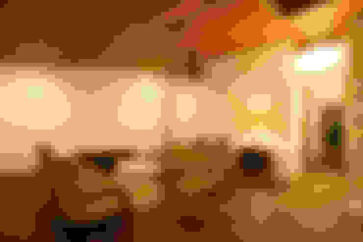 Livings de estilo  por 一級建築士事務所 アトリエ カムイ