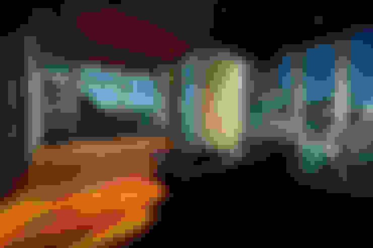 Wohnzimmer von 田中一郎建築事務所