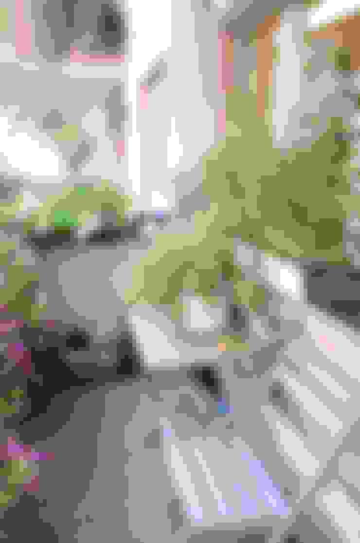 Terrazas de estilo  por Perfect Home