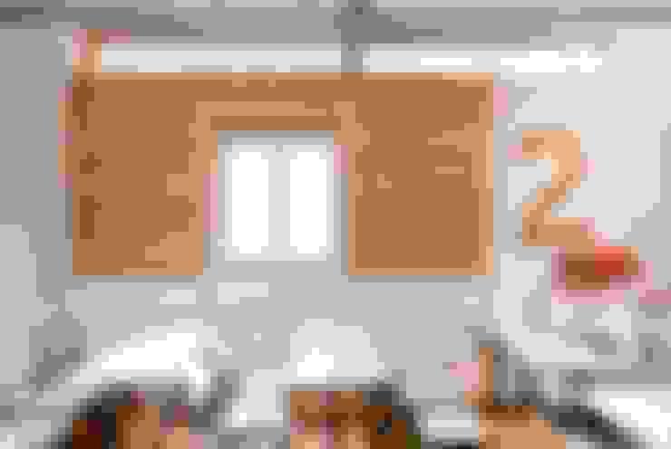 Escuelas de estilo  por ARCò Architettura & Cooperazione
