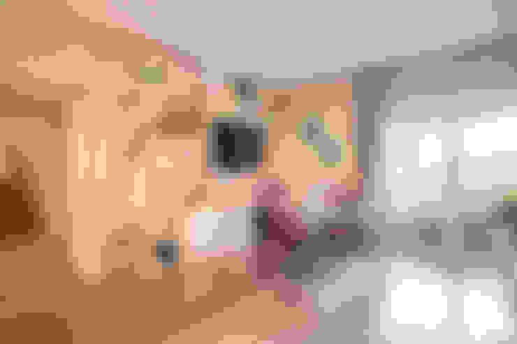 غرفة الميديا تنفيذ MOB ARCHITECTS