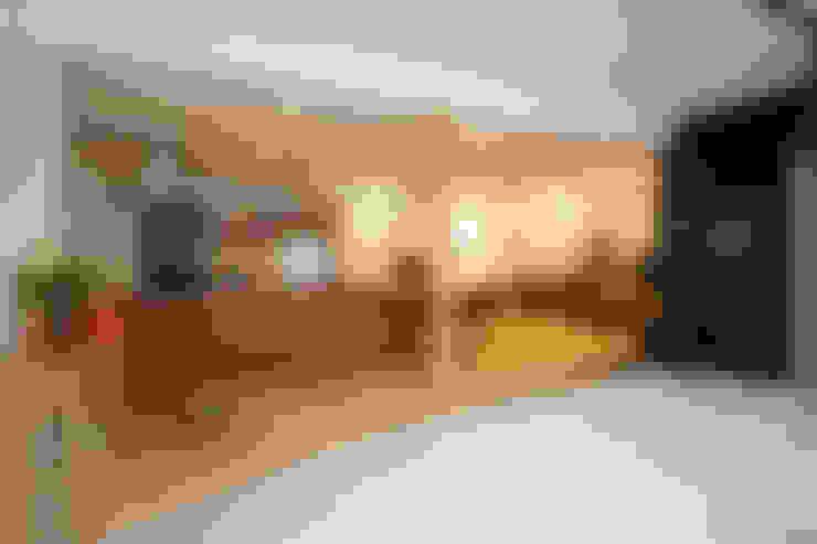 Pasillos y recibidores de estilo  por FCD