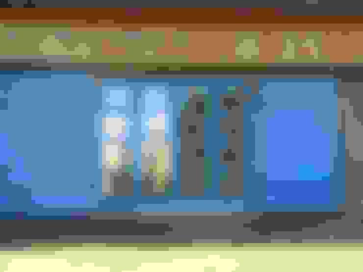 Dom Wólka: styl , w kategorii Domy zaprojektowany przez Pracownia Tutaj