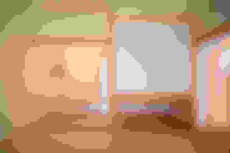 Ruang Keluarga by ATELIER TAMA