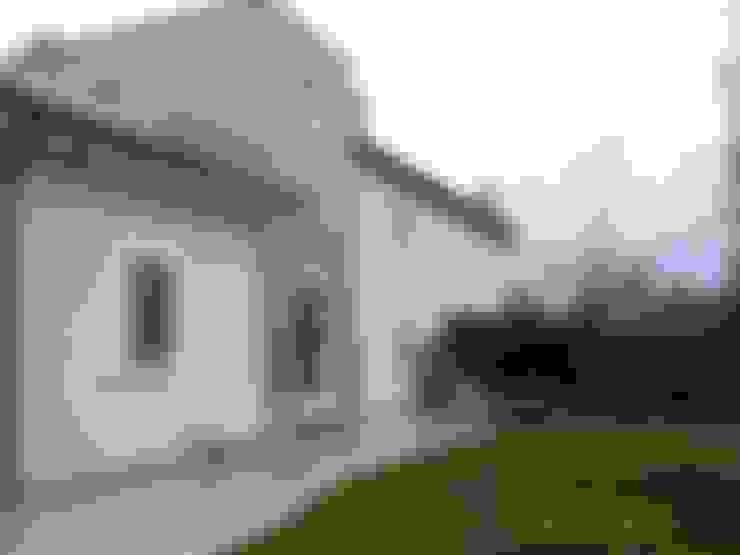 Hogar de estilo  por Calabrese & Iozzi Architetti Associati