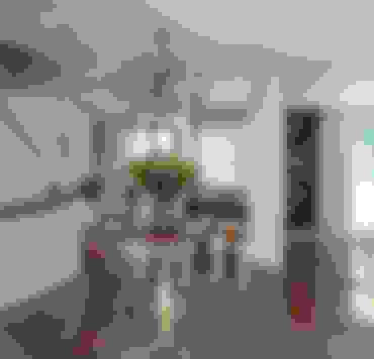 HANDE KOKSAL INTERIORS – House E - E Evi:  tarz Koridor ve Hol