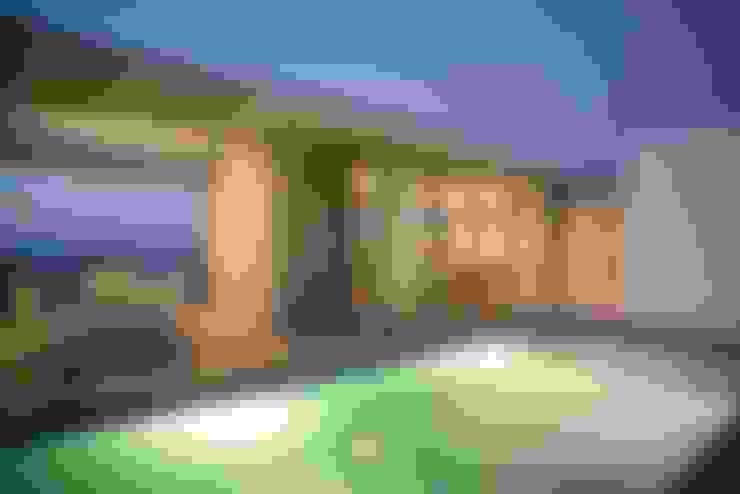 Casas de estilo  por HANDE KOKSAL INTERIORS