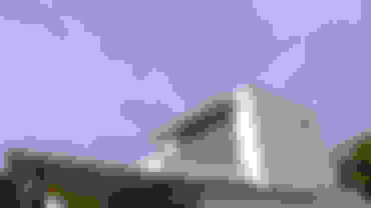 Casas unifamiliares de estilo  por AD+ arquitectura