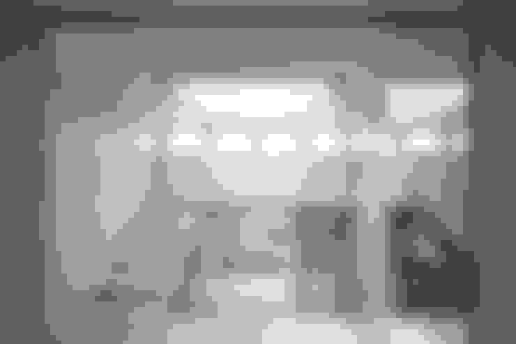by 諸江一紀建築設計事務所