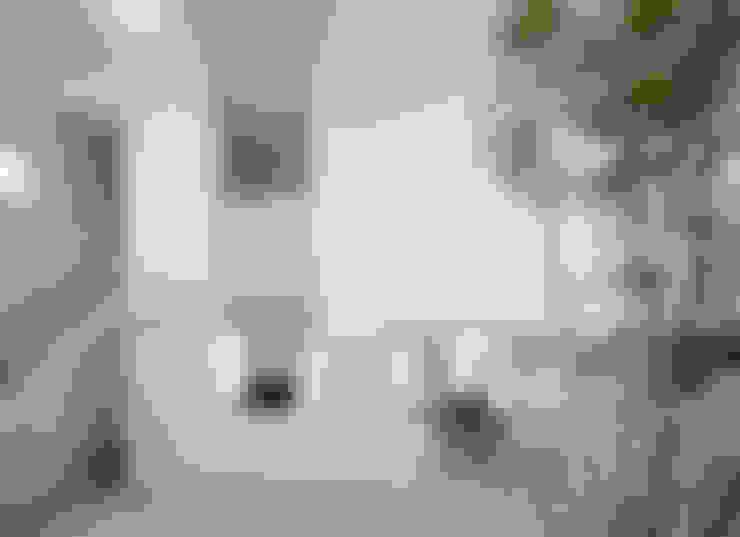 Salon de style  par ソルト建築設計事務所