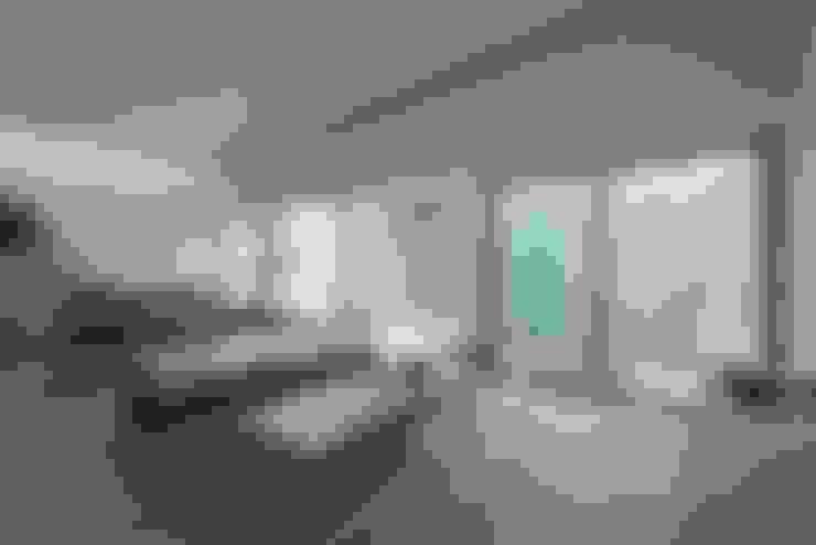 Ruang Keluarga by ALTS DESIGN OFFICE