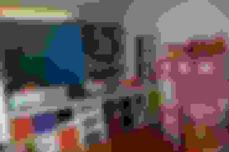 Nursery/kid's room by Agence Duo Deco Paris