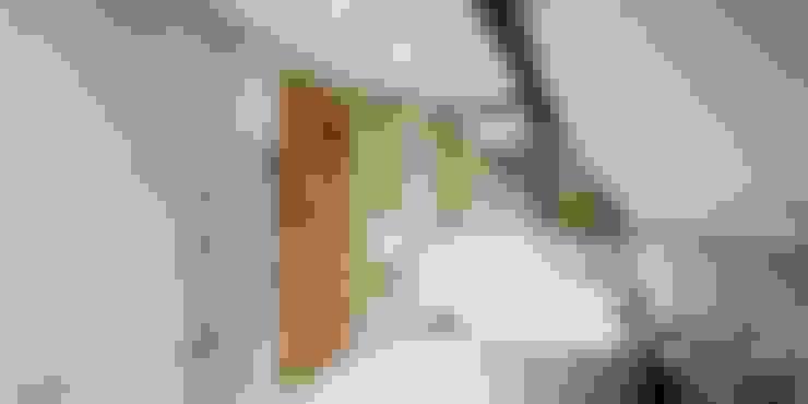 Bathroom تنفيذ Burlanes Interiors