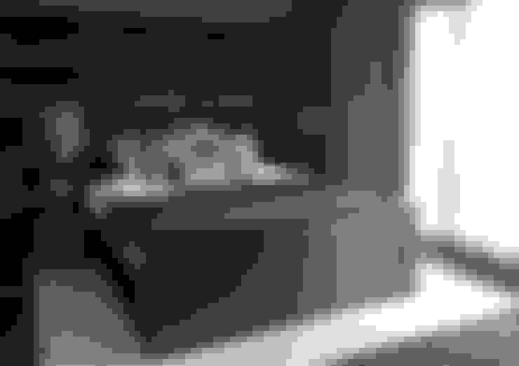 Dormitorios de estilo  por choc studio interieur
