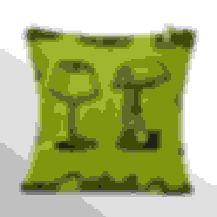 Chouchette – Chouchette 'Lamp' Cushion illustrated by artist Gabriela Vainsencher:  tarz Ev İçi