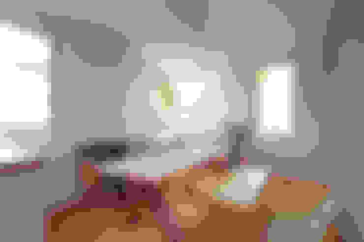 Living room by TATO DESIGN:タトデザイン株式会社