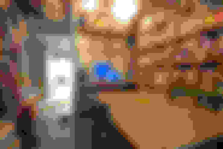 ห้องทำงาน/อ่านหนังสือ by TATO DESIGN:タトデザイン株式会社