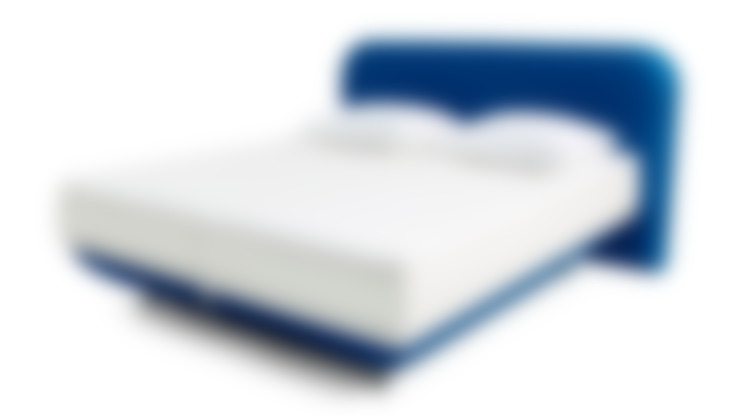FreshBed iFo designbed in kleur RAL 5002 met hoofdbord in Kvadrat meubelstof:  Slaapkamer door FreshBed