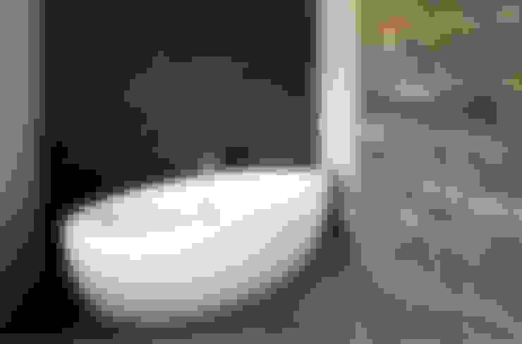 woonhuis S Neerharen:  Badkamer door 3d Visie architecten