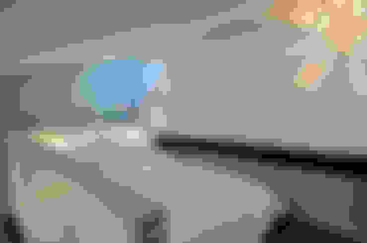 Espace nuit en mezzanine: Chambre de style  par Marion Rocher
