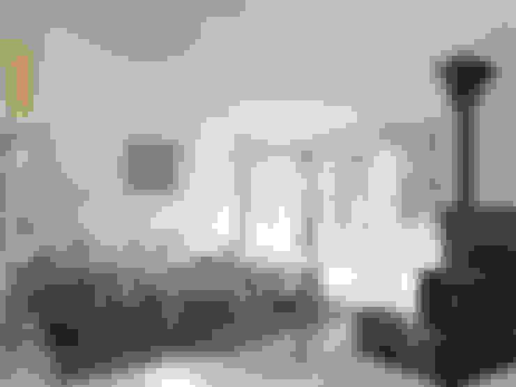 Salas / recibidores de estilo  por Facit Homes