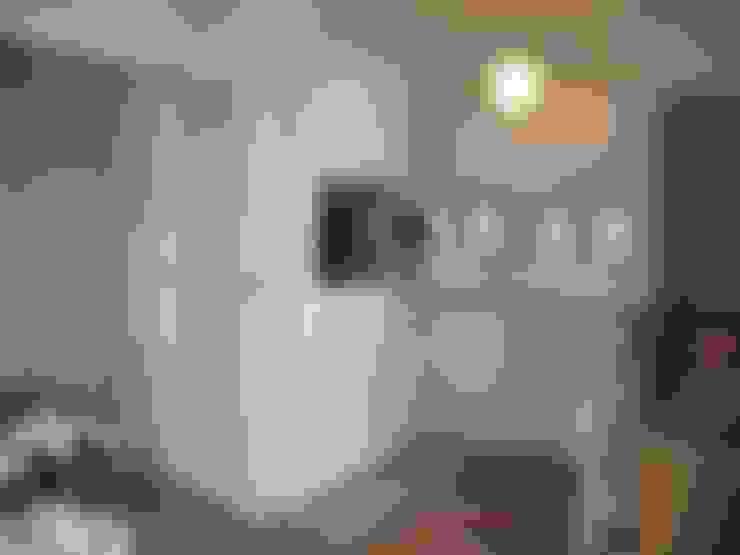 La cuisine après aménagement:  de style  par Tout Simplement Déco