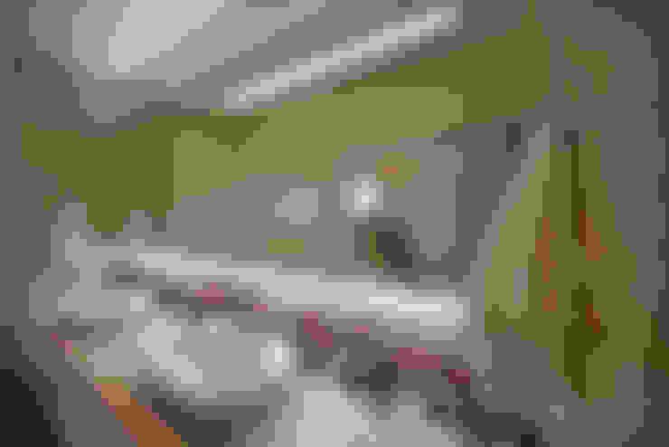 Casa Mercury: Banheiros  por Arquiteto Aquiles Nícolas Kílaris
