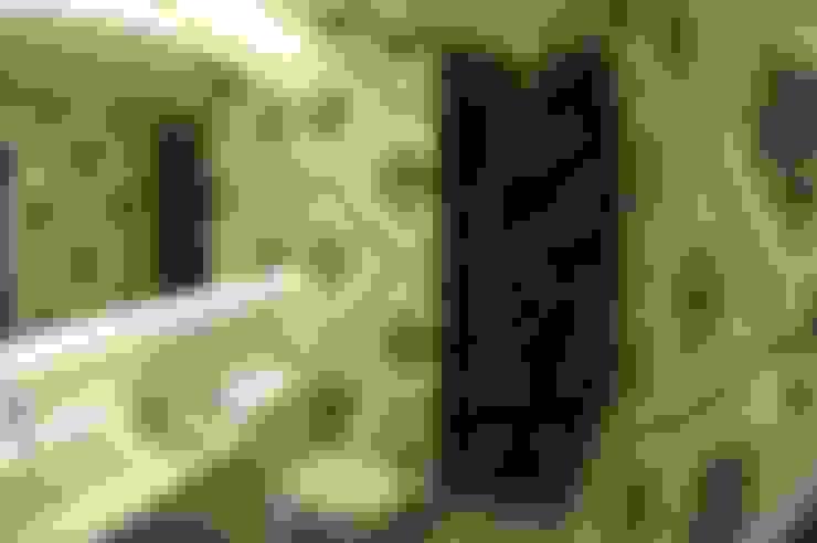Apartamento elegante a beira mar: Banheiros  por Bruna Zappelini Arquitetura