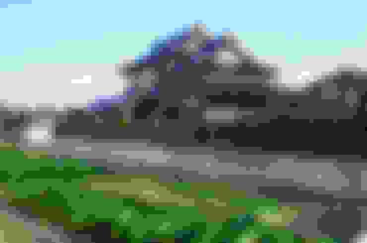 元の民家と増築部分: katachitochikaraが手掛けた家です。