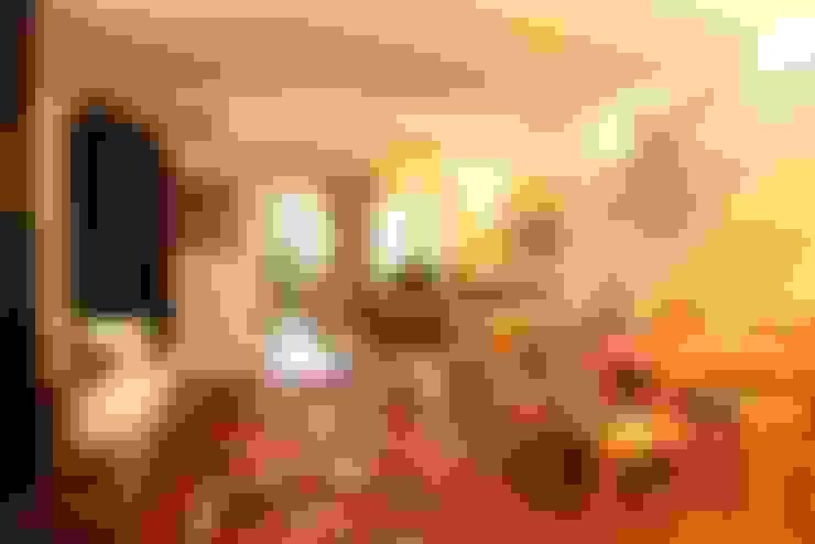 Living: Salas de estar  por Ornella Lenci Arquitetura