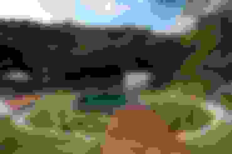 Pool by Coletivo de Arquitetos