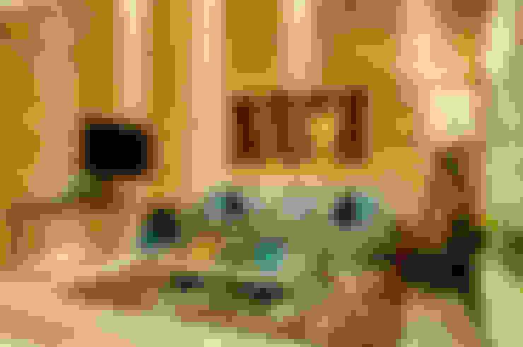 Livings de estilo  por Renato Lincoln - Studio de Arquitetura