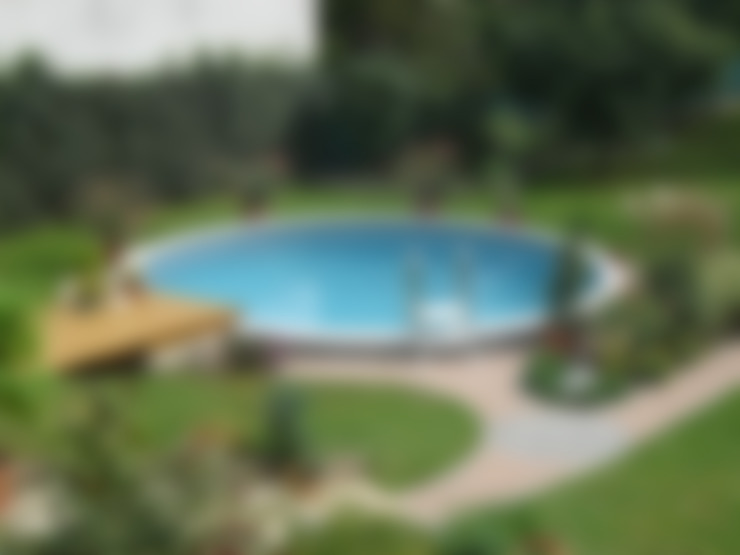 مسبح تنفيذ Pool + Wellness City GmbH