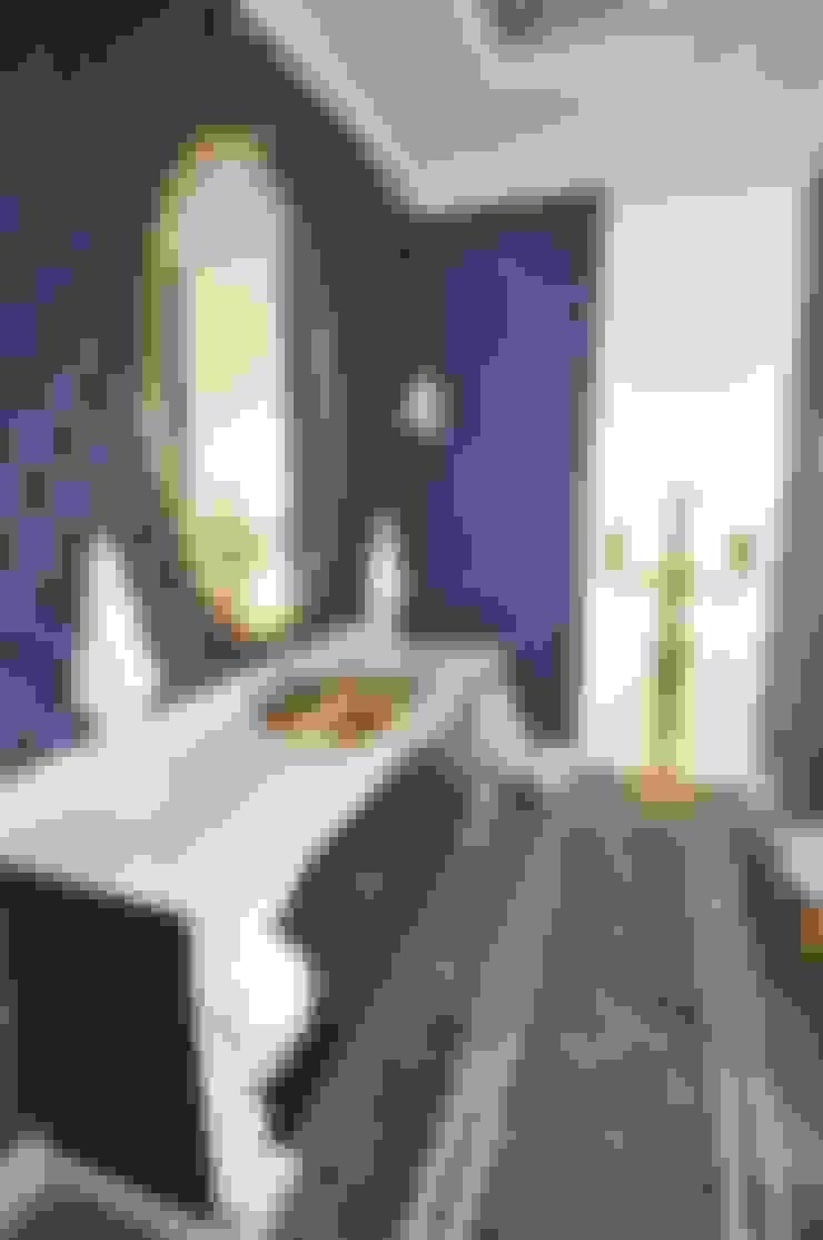 Banheiro  por livinghome wnętrza Katarzyna Sybilska