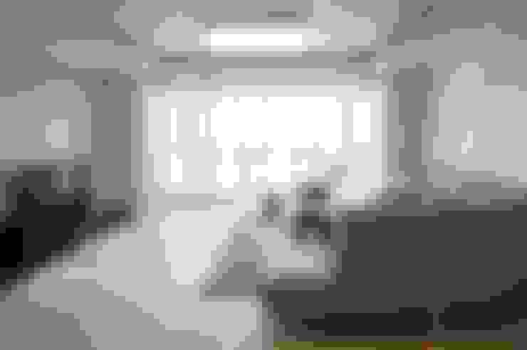 대리석마루 뉴이지스톤 델리카토크림: (주)이지테크(EASYTECH Inc.)의  거실