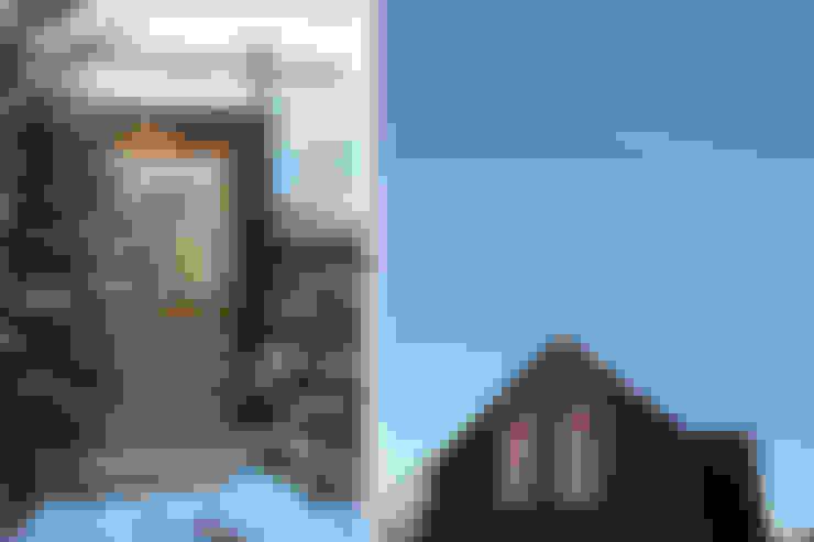 Черный Дом: Дома в . Автор – Snegiri Architects
