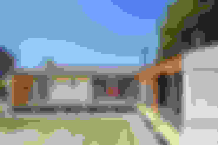 Houses by 株式会社 中山秀樹建築デザイン事務所