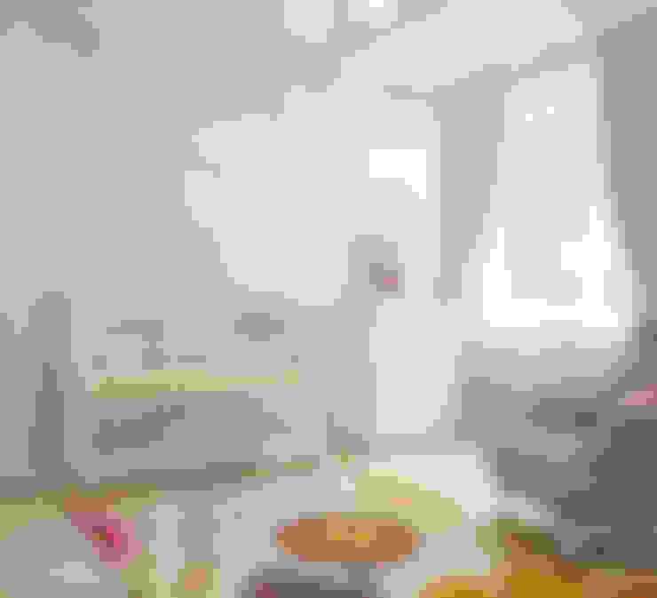 Chambre d'enfant de style  par izooom