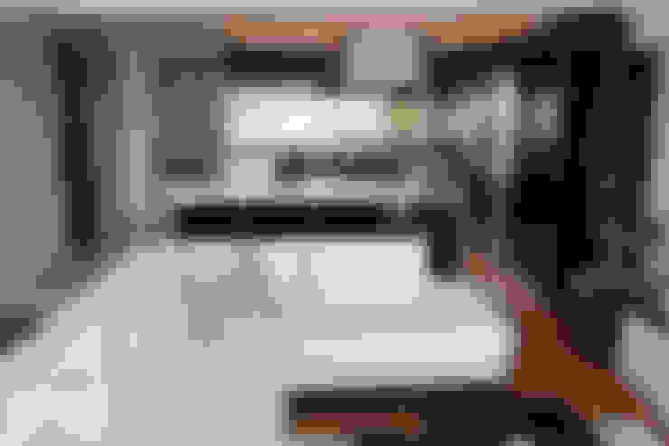 TARKAN OKTAY MİMARLIK – NOYANER EVİ:  tarz Mutfak