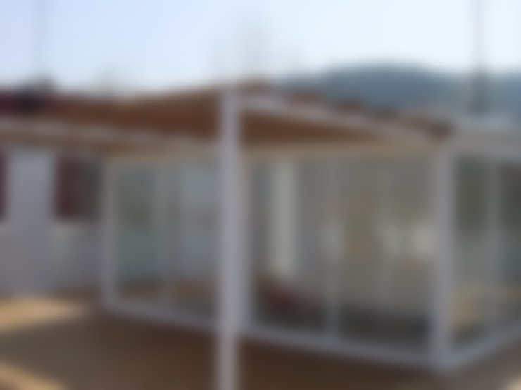 Terrace by DEKMAK interiores